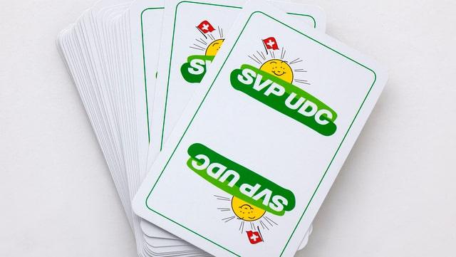 Kartenspiel mit dem SVP-Logo
