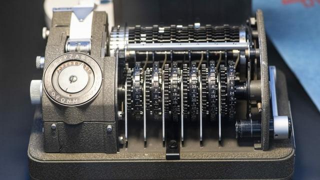 Eine mechanische Rotor-Chiffriermaschine CX-52
