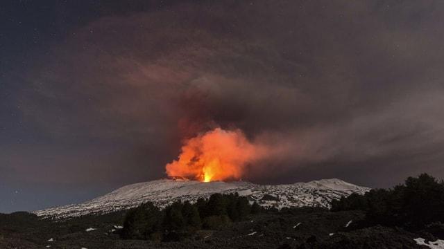 Purtret dal vulcan activ.