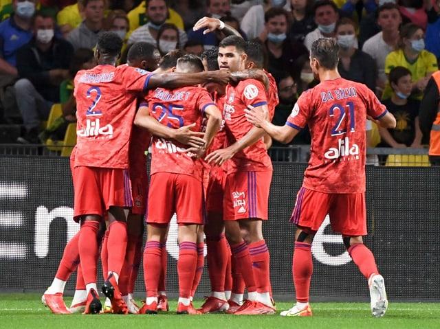 Die Spieler nach dem 1:0 durch Dembélé.