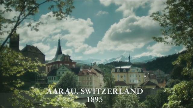 Die Stadt Aarau digital eingebettet in die kitschige Bergwelt.