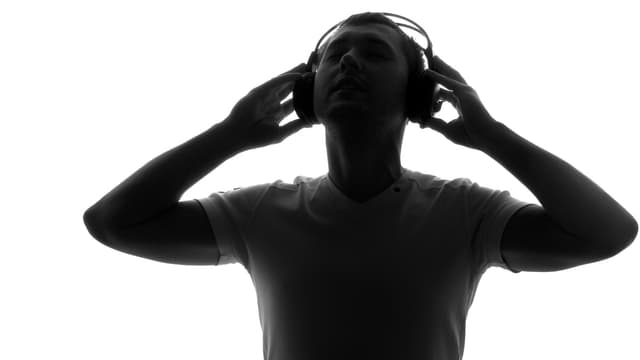 Ihr kennt euch aus in Sachen Musik? Dann bewerbt euch jetzt und kommt mit ans nächste Playlist-Meeting von SRF 3.