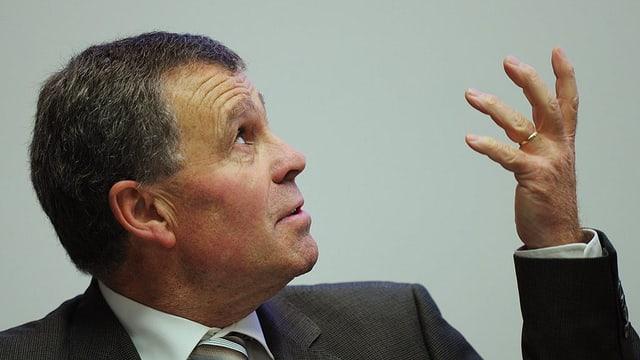 Begrüsst die Vorschläge, will aber noch abwarten: Der Zürcher Finanzdirektor Ernst Stocker.