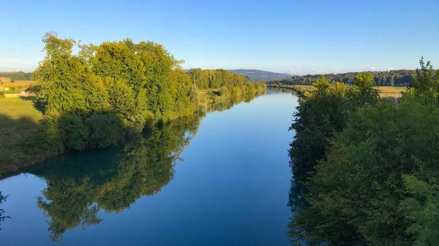Blick auf den Hageneckkanal. Ohne Wind ist die Spiegelung im Wasser perfekt.