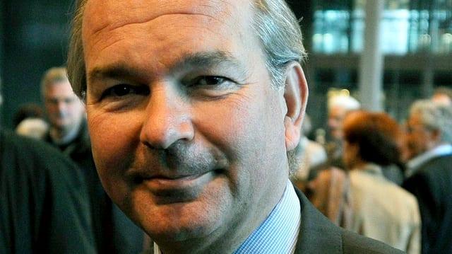 Der schwedische Botschafter in Bern, Per Thöresson lächelt in die Kamera