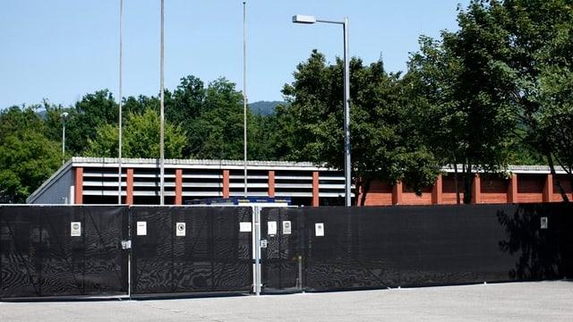 Aussenansicht des Asylzentrums in Bremgarten