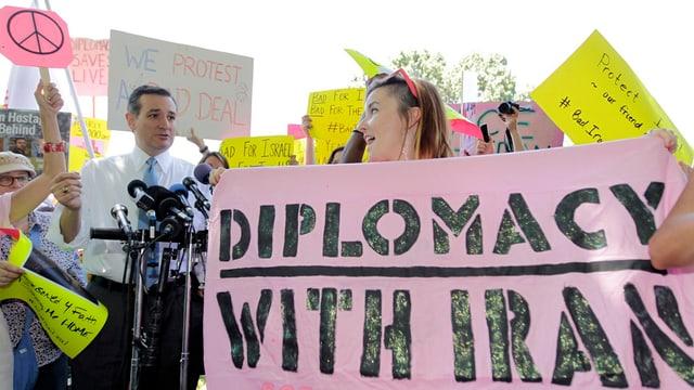 Demonstraziun per la diplomazia cun l'Iran.