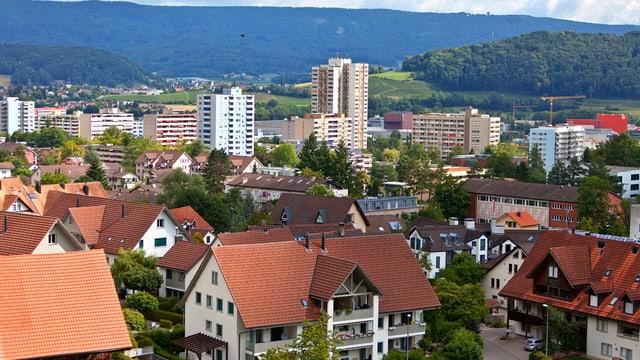 Spreitenbach: Dorf und Hochhäuser