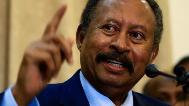 Übergangspräsident Abdalla Hamdok ist vereidigt worden.
