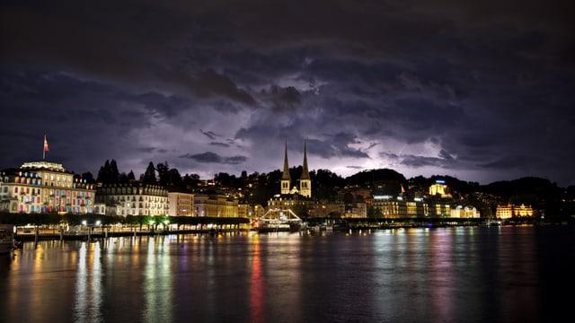 Blitze über der Stadt Luzern