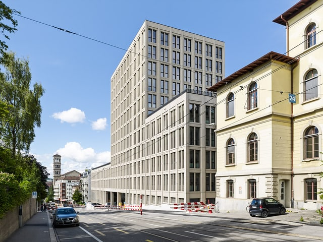 Das neue Gebäude, genannt LEE, an der Leonhardstrasse, Gebäude E.