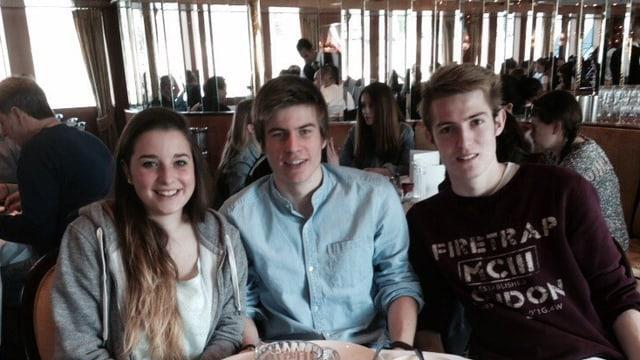 3 scolars da «Ut unum sint».