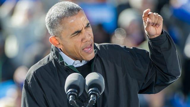 Barack Obama durant in pled a chaschun d'ina occurrenza per la candidata democrata Hillary Clinton.