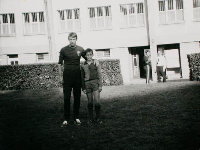 Unvergesslicher Moment! Matthias mit der FCB-Legende Karl Odermatt im Landhof.
