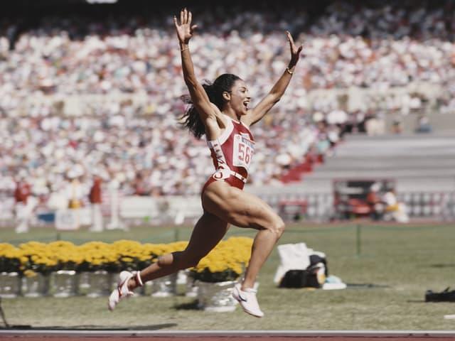 Florence Griffith-Joyner 1988 im olympischen 100-m-Final von Seoul.