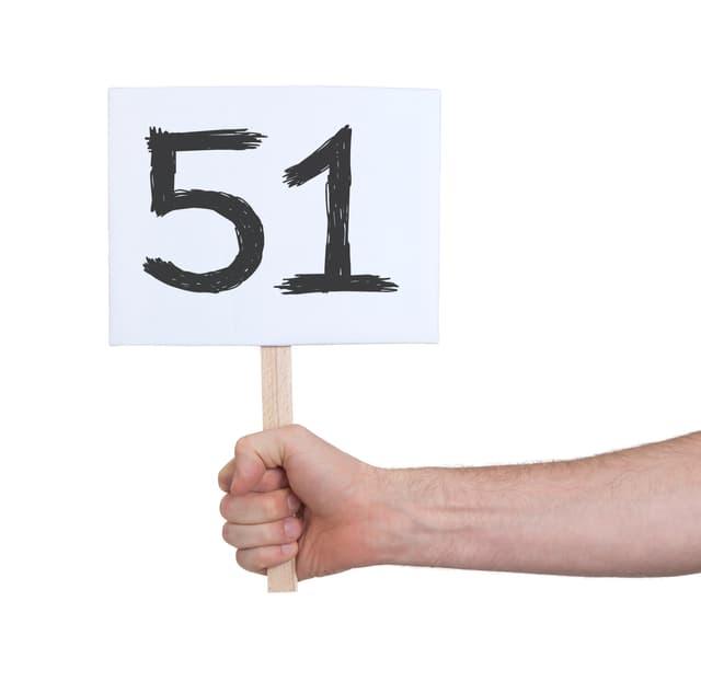 Nur wer den Wert von 51 genau erreicht, kann bei Einundfünfzig gewinnen