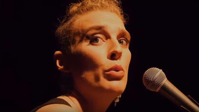 Die Sängerin Barbara Weldens.