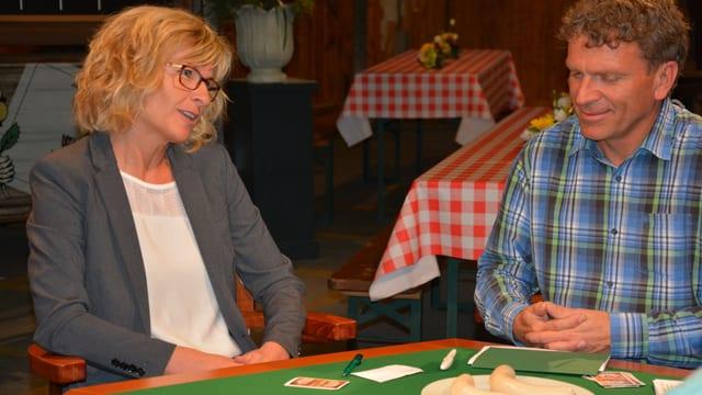 Ladina Spiess und Dani Müller am Jasstisch