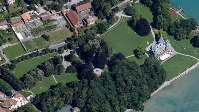 Ein Luftbild des Areals.