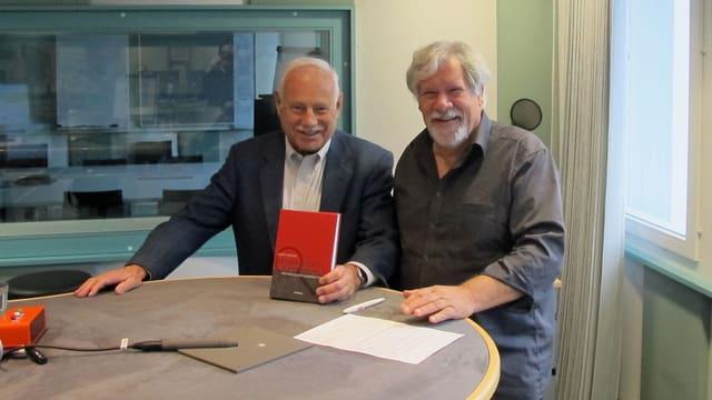 Ueli Fischer (l.) und Peter Scholer treffen sich im Studio in Aarau zum Gespräch über das nie gebaute AKW Kaiseraugst.