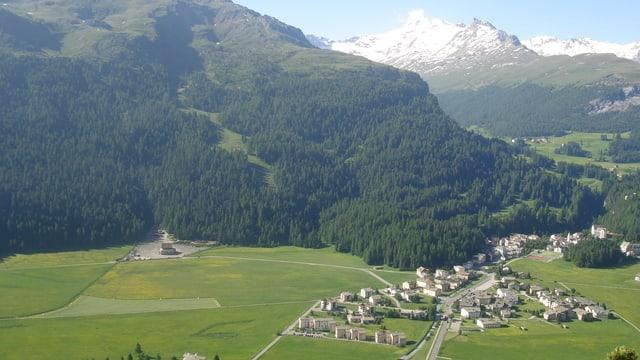 La staziun a val da Furtschellas a Segl durant la stad.