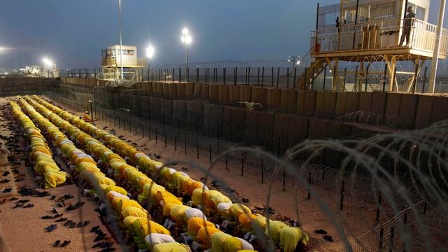 Betende Häftlinge