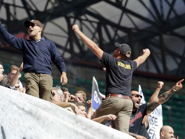Inter-Ultras protestieren auf der Tribüne