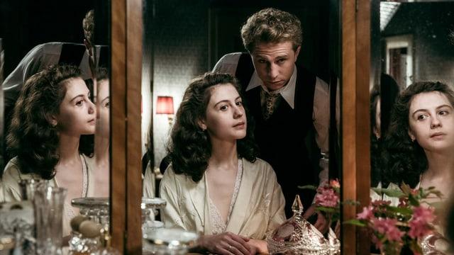 Im Zentrum der Serie steht die Liebe zwischen Unternehmerstocher Klara (Annina Walt) und ihrem Mann Johann (Max Hubacher).