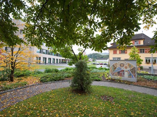 Die Spitalstrasse beim Kantonsspital Sarnen.