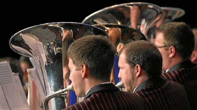 Impressiun dal concert da la Swiss Army Brass Band a la festa federala da musica