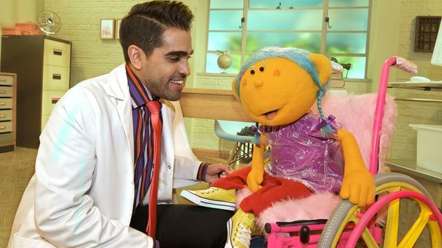 In der BBC-Sendung «Ceebies» erklärt Doktor Ranj seinen Patienten Gesundheitsthemen mit lustigen Songs.