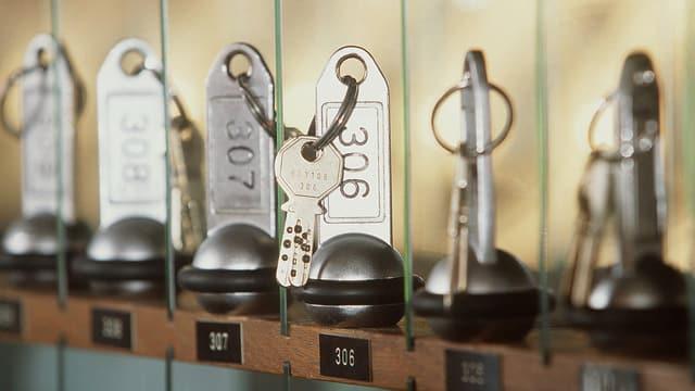 Zimmerschlüssel an der Reception