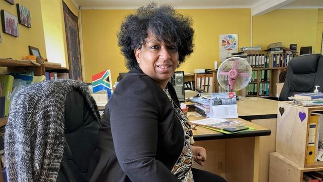 Die südafrikanische Anwältin Lesle Jansen in im Büro in Südafrika.