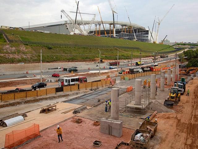 Blick auf die Baustelle eines Busbahnhofes in Sao Paolo.