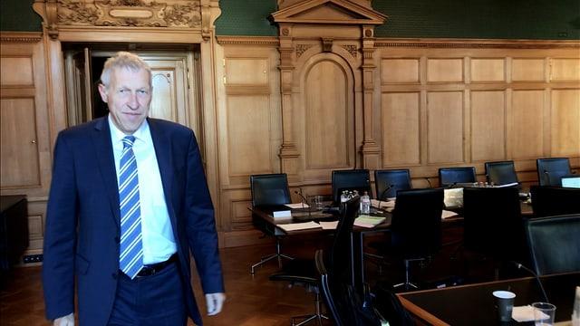 Konrad Graber in der Wandelhalle.