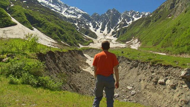 Video «Der Berg grollt» abspielen