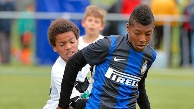 Kinder beim Nachwuchsturnier des FC Luzern.