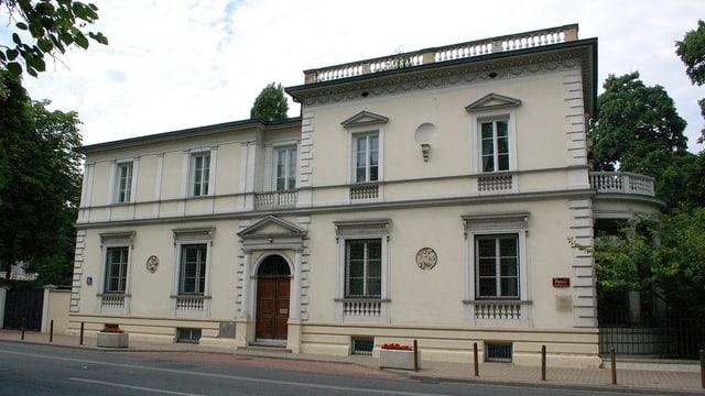 L'ambassada da la Svizra a Warschau.