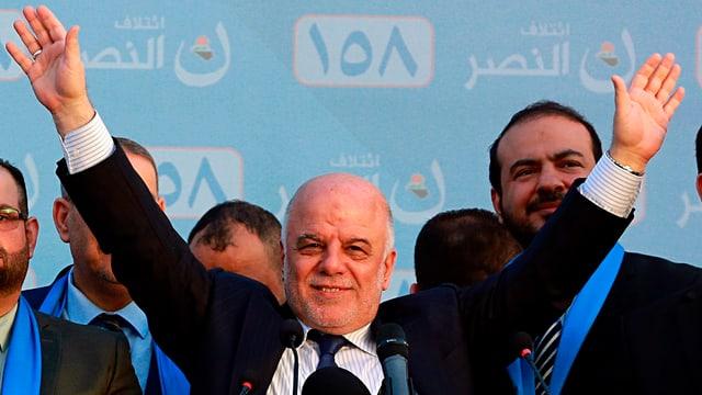Haidar al-Abadi strecktz beide Hände in die Luft