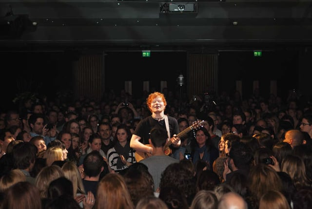 Die Zugabe «Guding Light» spielte Ed Sheeran im Zuschauerraum.