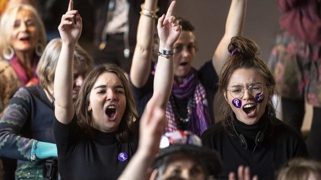 Die Frauen fordern Gleichberechtigung