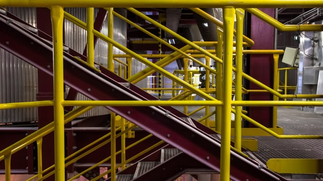 Blick in ein Industriegebäude (Symbolbild)