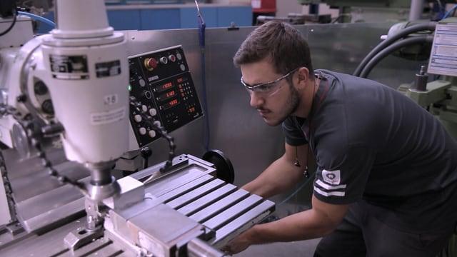 Video «Berufsbilder aus der Schweiz: Polymechaniker EFZ» abspielen