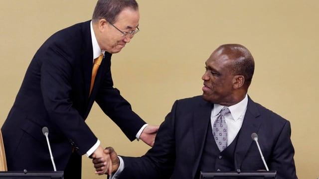 UNO-Generalsekretär Ban Ki Moon und der ehemalige Präsident der UNO-Generalversammlung, John Ashe