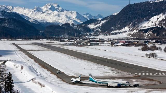 Der Flugplatz Samedan aus der Vogelperspektive.