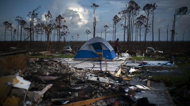 Las grondas devastaziuns suenter il hurican «Dorian».