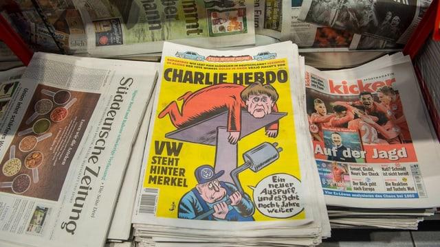 «Charlie Hebdo» liegt als erste deutsche Ausgabe in den Läden vor.