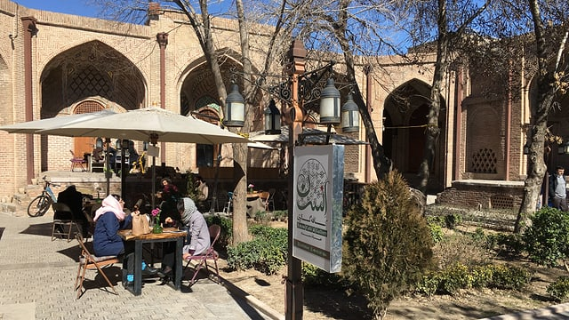 Café in Qazvin.