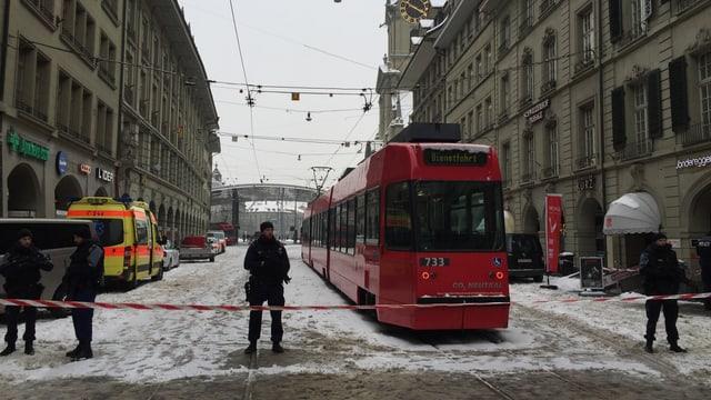 La Spitalgasse direcziun staziun da Berna.