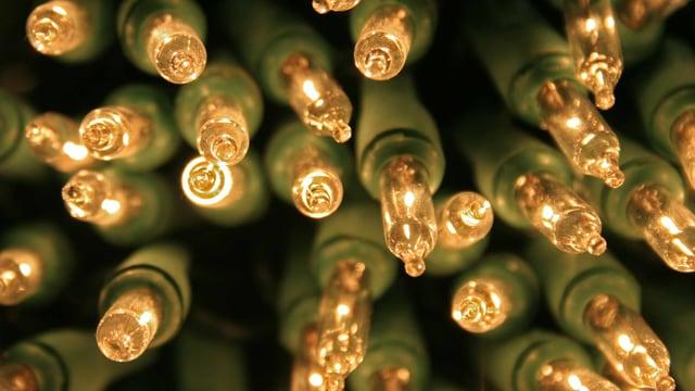 Viele kleine Birnen einer Lichterkette